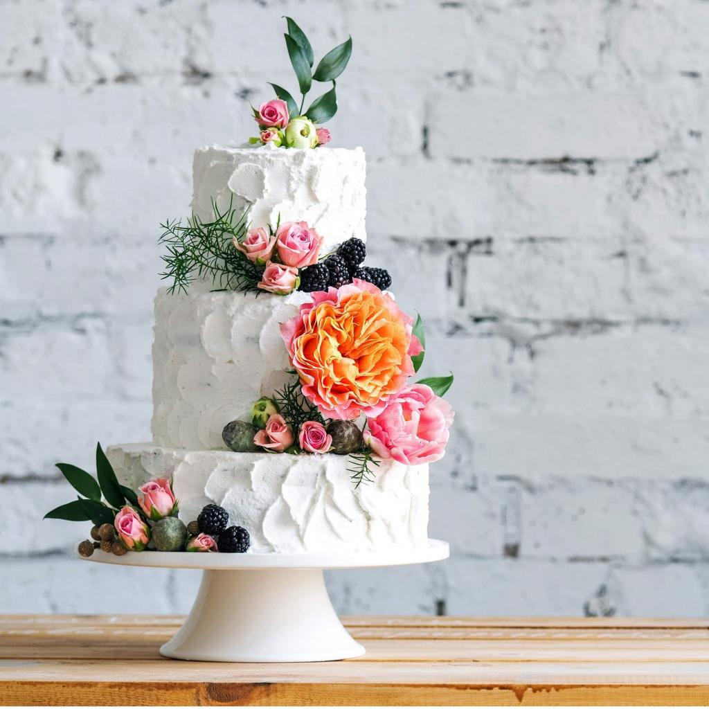 little house white cake